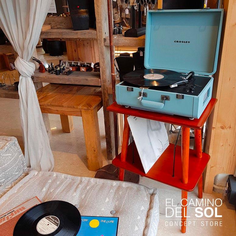 Giradischi Crosley e tavolino vintage portavinili | EL CAMINO DEL SOL