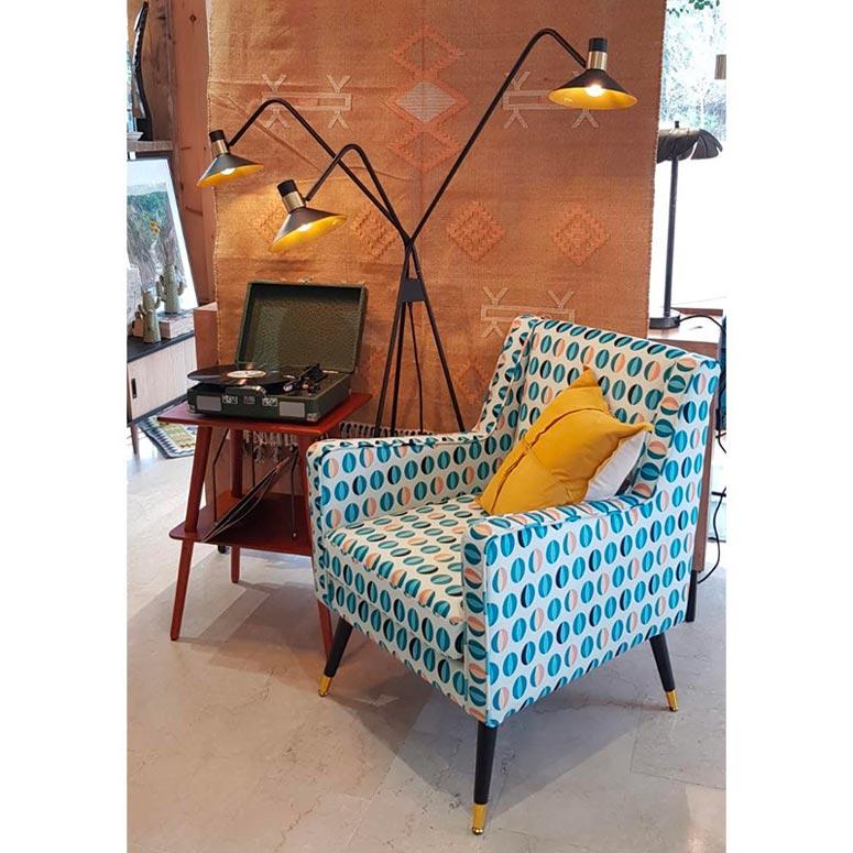 Poltroncina stile sixties con lampada | EL CAMINO DEL SOL